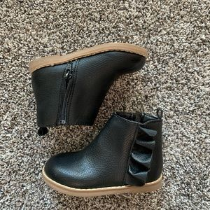 Black toddler ankle boots.